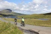 Cyklister i det skotske højland