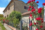 Vandreferie i Toscana passerer stenhuse