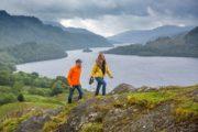 Vandrere ovenfor Loch Lomond