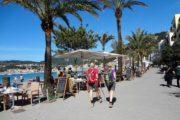 Port de Sollers strandpromenade med palmer