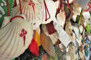 Muslingeskallen der symboliserer pilgrimsruten til Santiago