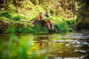 Vandreferie i Sachsiske Schweiz pause ved floden