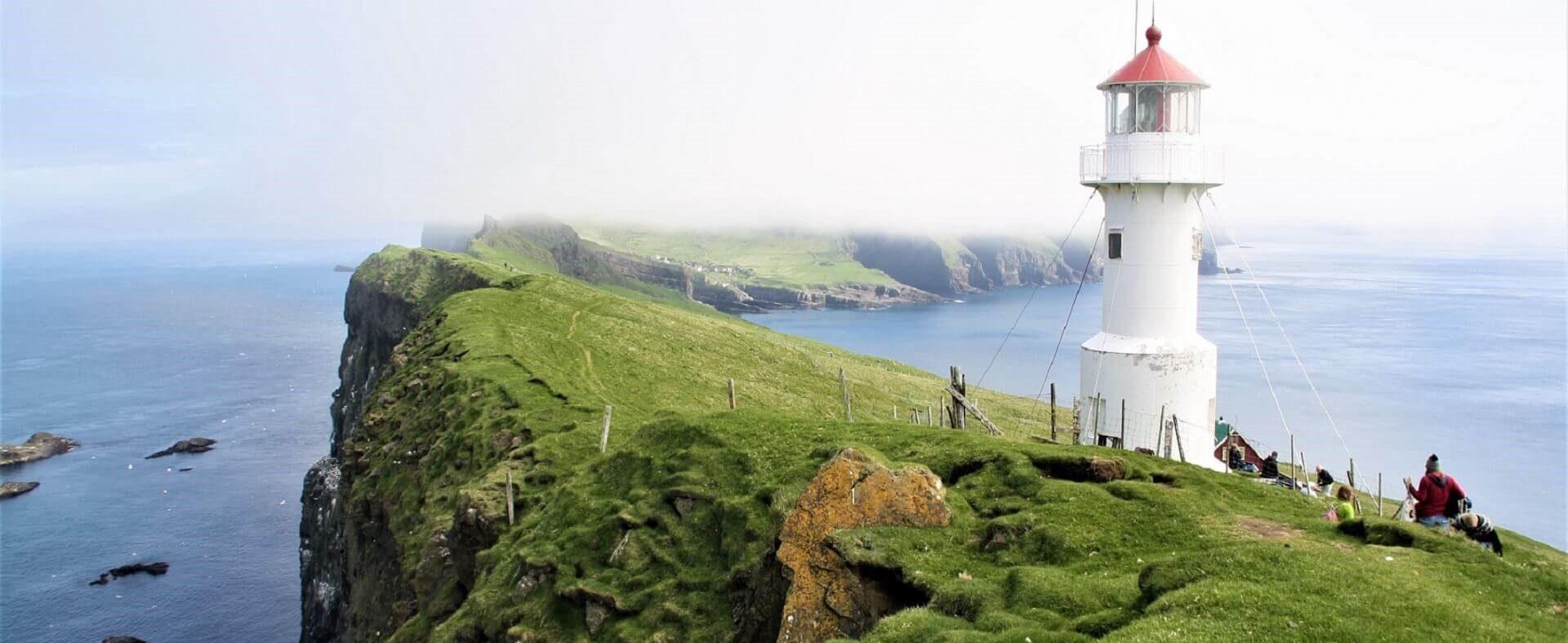Færøerne med bil og til fods
