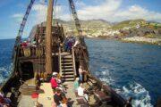 På sejltur med Santa Maria - på turen ses ofte delfiner.