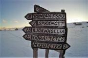 Vejviser nær Mysuseter i Rondane
